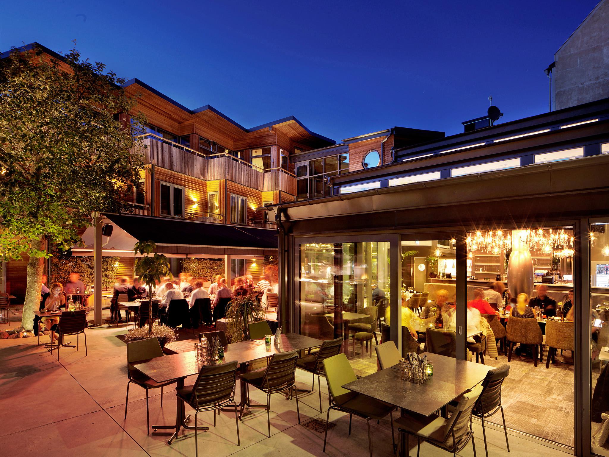 150829 KvŠllsstŠmning i restaurangen pŒ The Lamp Hotel den 29 augusti 2015 i Norrkšping. Foto: Peter Holgersson AB
